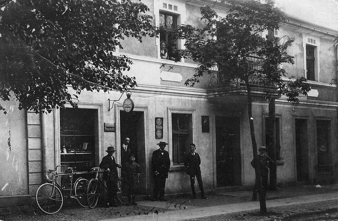Carl Braunhart Bicycle Shop Schubin Germany ca1913